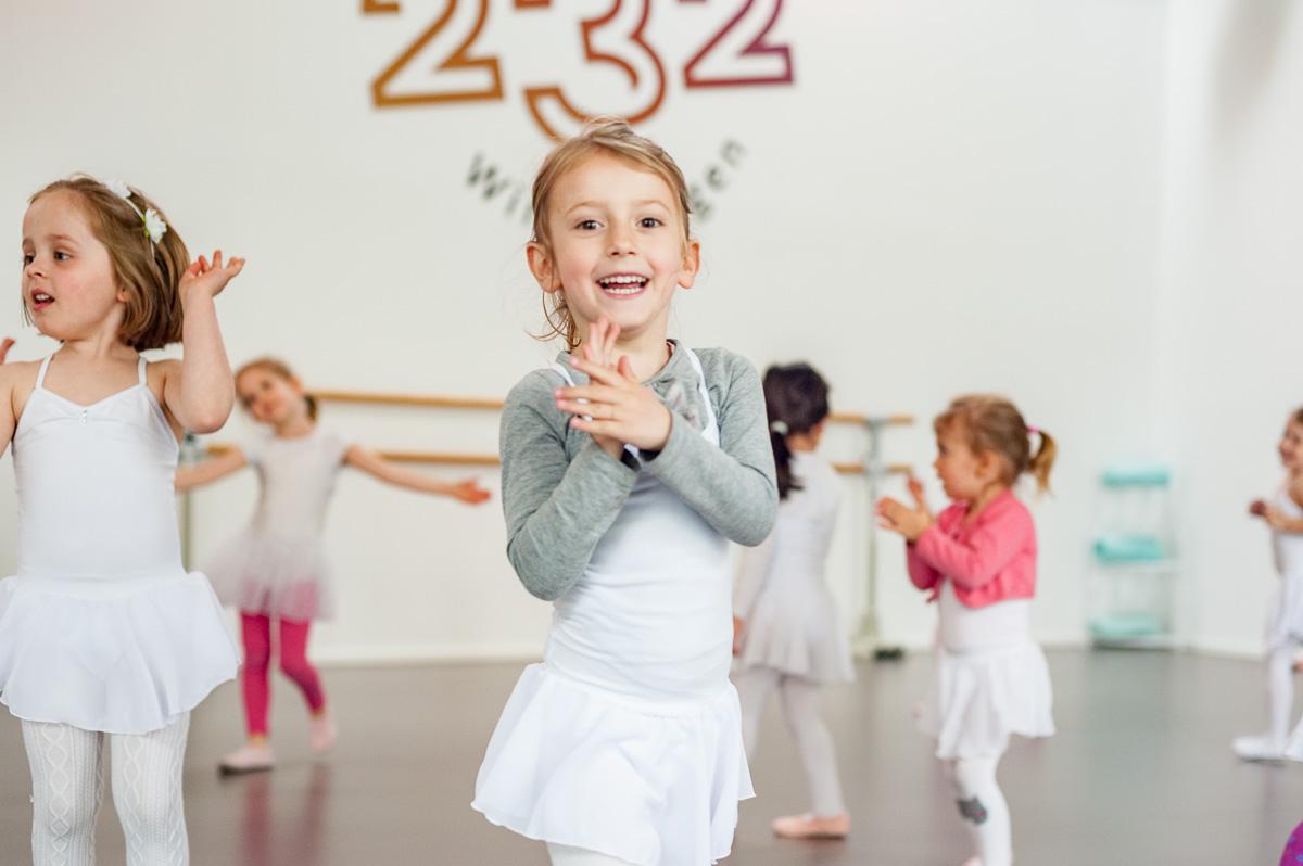 Kreativer Kindertanz mit Biggi Klömpkes im Studio 232