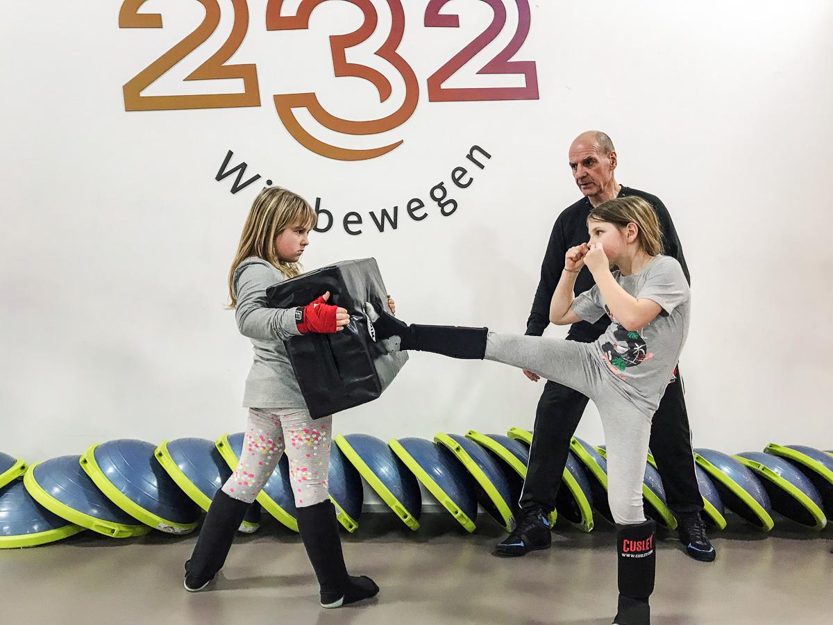 Mutige Kinder gesucht! Das Kickbox-Training im Studio 232 macht dich stark!