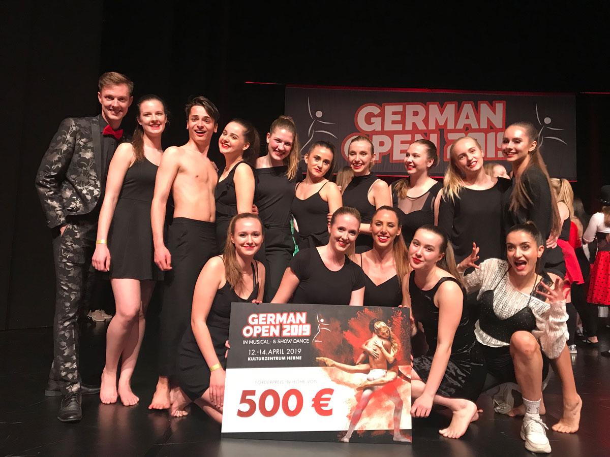 Die Showgruppe LIRICO es Studio 232 gewinnt einen Förderpreis in Höhe von 500,– Euro bei den German Open 2019 in Herne