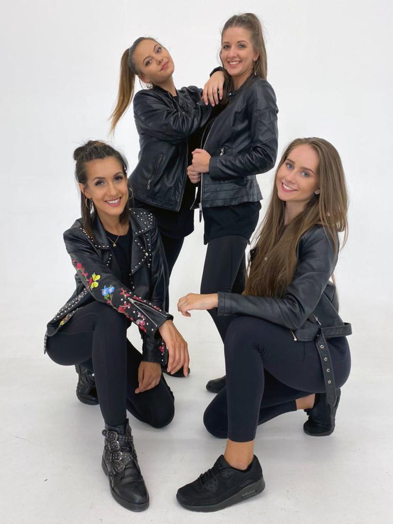 Unsere Tänzerinnen Tamana, Christine, Julie und Noemi beim Videodreh von Benyamin Omrani